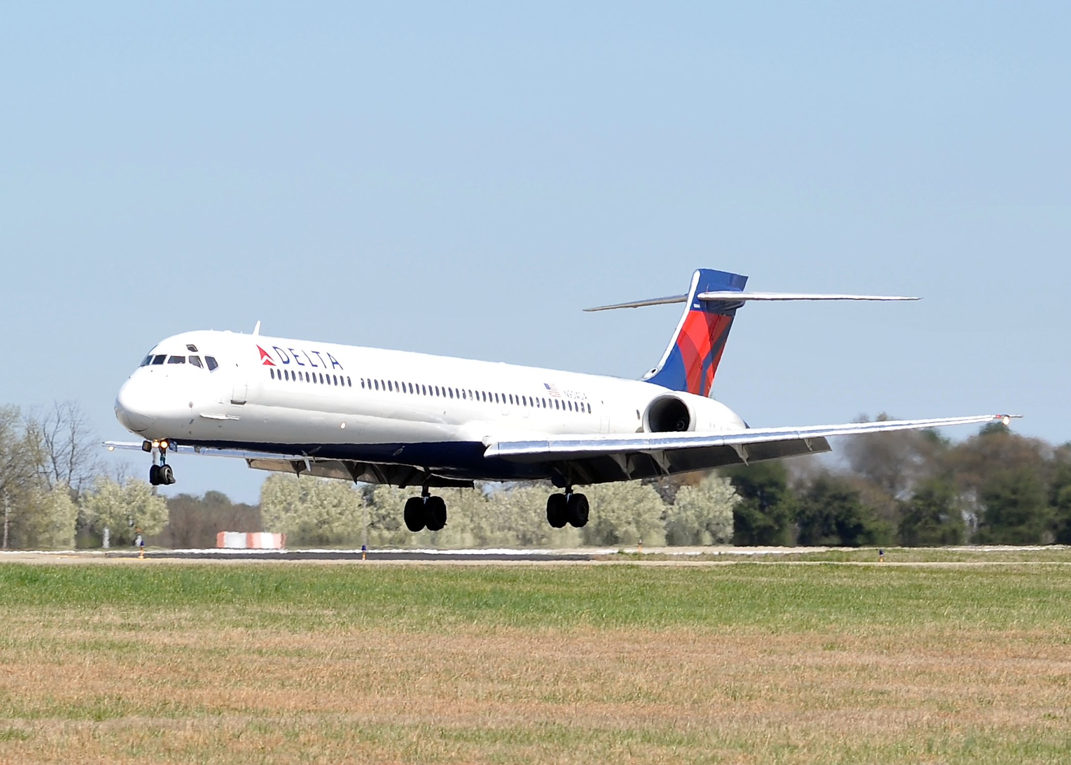 Delta to Provide Complimentary Main Cabin Meals on Transcontinental Flights